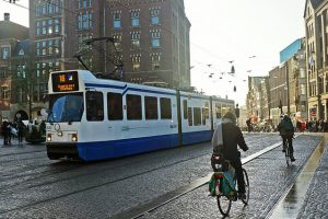 tram in Amsterdam - New2nl (picture credits mariordo59 on Flickr)